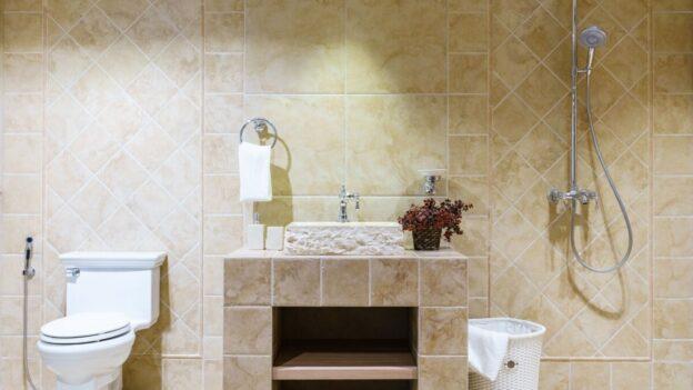 Dilema in baie: lavoare traditionale, din ceramica sau din granit